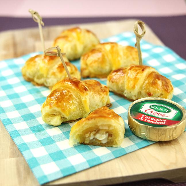 Mini croissants au Société Crème, abricots et noix
